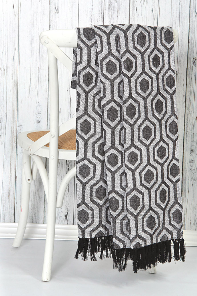 10 decor accessories geometric designs visi for Home decor accessories online