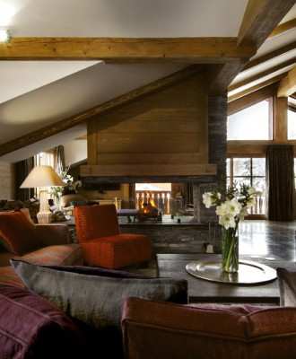 Ski-Lodge-Feature