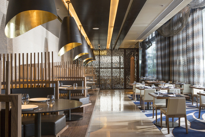 Design 23 of the most stylish restaurants in the world visi for Deco restaurant design