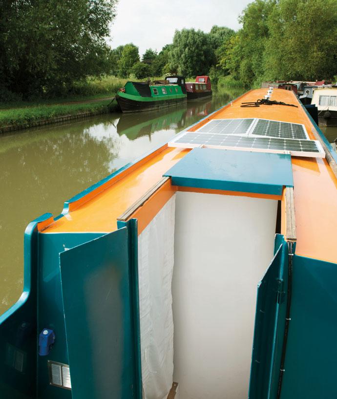 George Clarke's Amazing Spaces: The Luxury Narrowboat