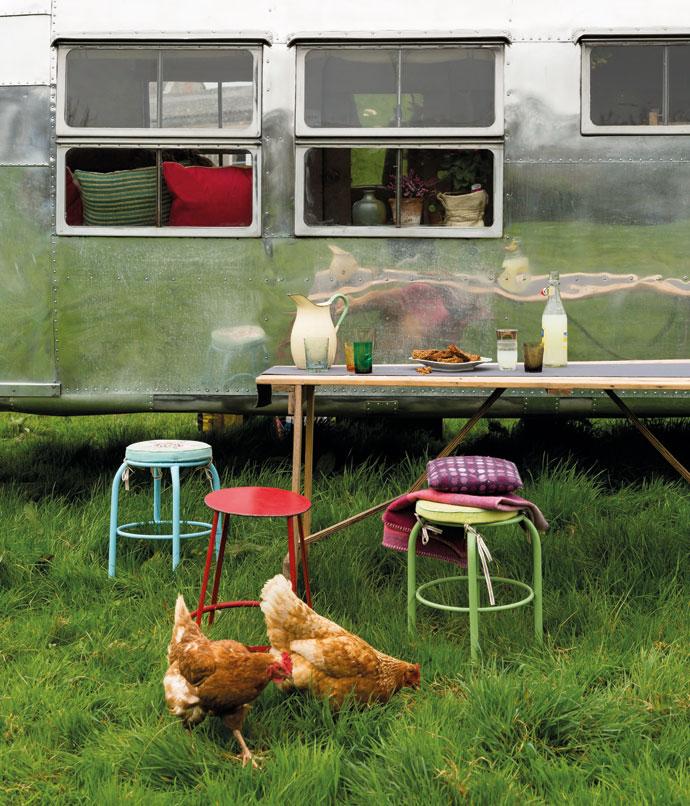 George Clarke's Amazing Spaces: Airstream Caravan