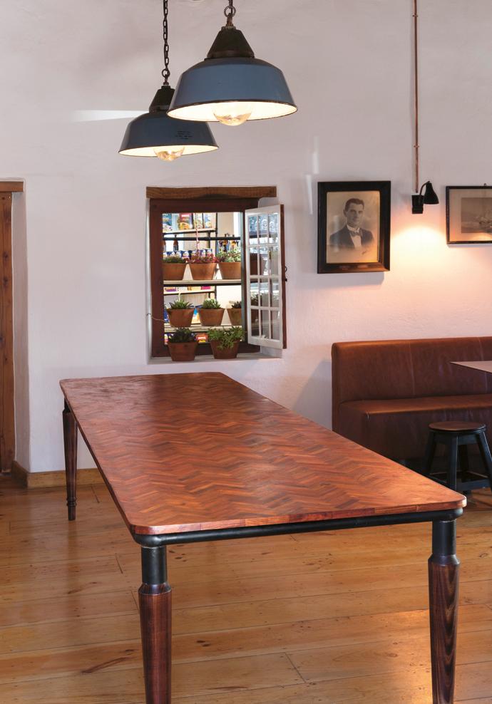 De Warenmarkt\'s Designer Table - Visi
