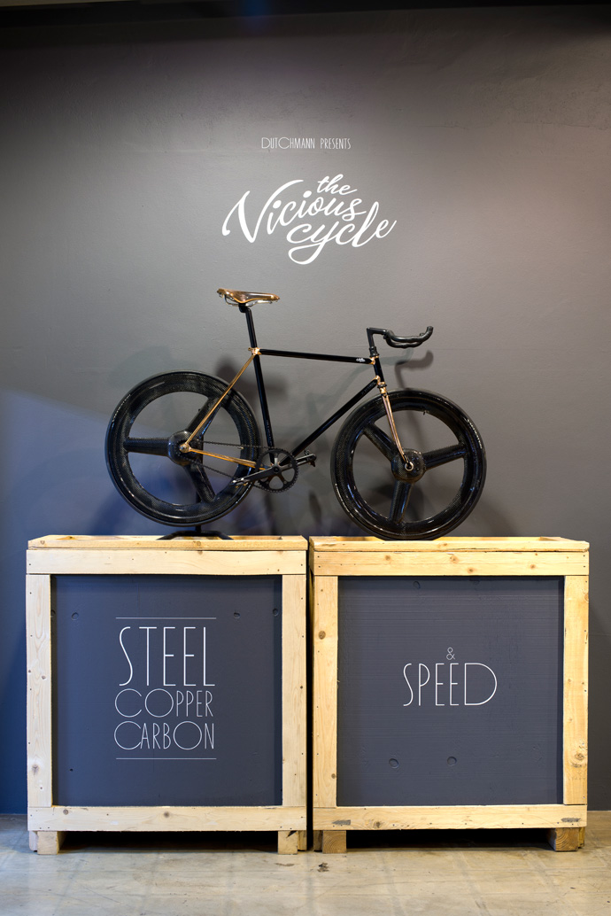 The Vicious Cycle is a collaboration between retired bicycle frame builder Duncan MacIntyre and Anton Dekker, who produces bespoke components for brands such as Porsche. The bicycle is composed of steel by Duncan, carbon by Anton, copper by Gavin Oliver and gloss by Malcolm Sampson.