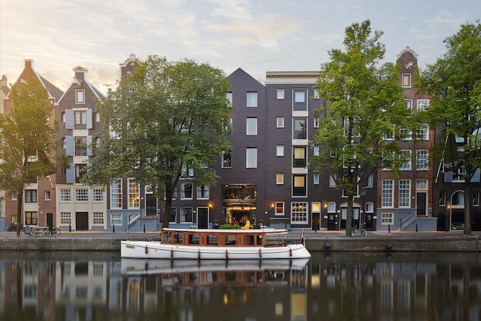 Jacu strauss designs amsterdam hotel visi for Hotel design amsterdam centro