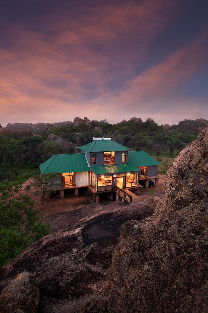 The green Chromadek roof allows the structure to blend in with the landscape. Most of the timber used in the home's construction came from Bundu Pale in Nelspruit.