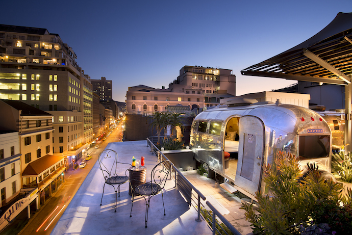 How about some cocktails on the rooftop, watching the twilight sky change colour? The City Flights trailer offers cosy reprieve from the evening chill later.