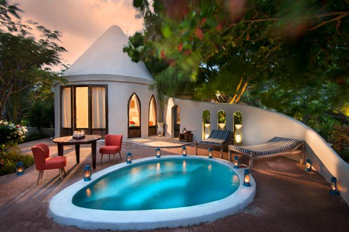 The cosy one-bedroomed Umande Villa with its plunge pool for two is perfectly intimate for a tryst with a spy.