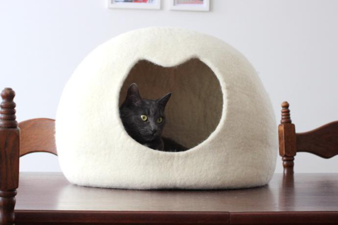 SPECS: We Featured One Of Agneu0027s Cute Felt Cat Beds With Cat Ears On Our  List Of Stylish Cat Furniture, But We Like This Simple Dome Shaped One Too.