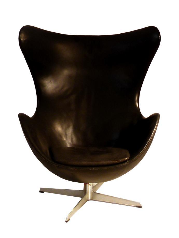 Egg chair  1958   early 1960s  by Arne Jacobsen  Fritz Hansen Denmark. Guide  How To Buy Mid Century Modern Furniture
