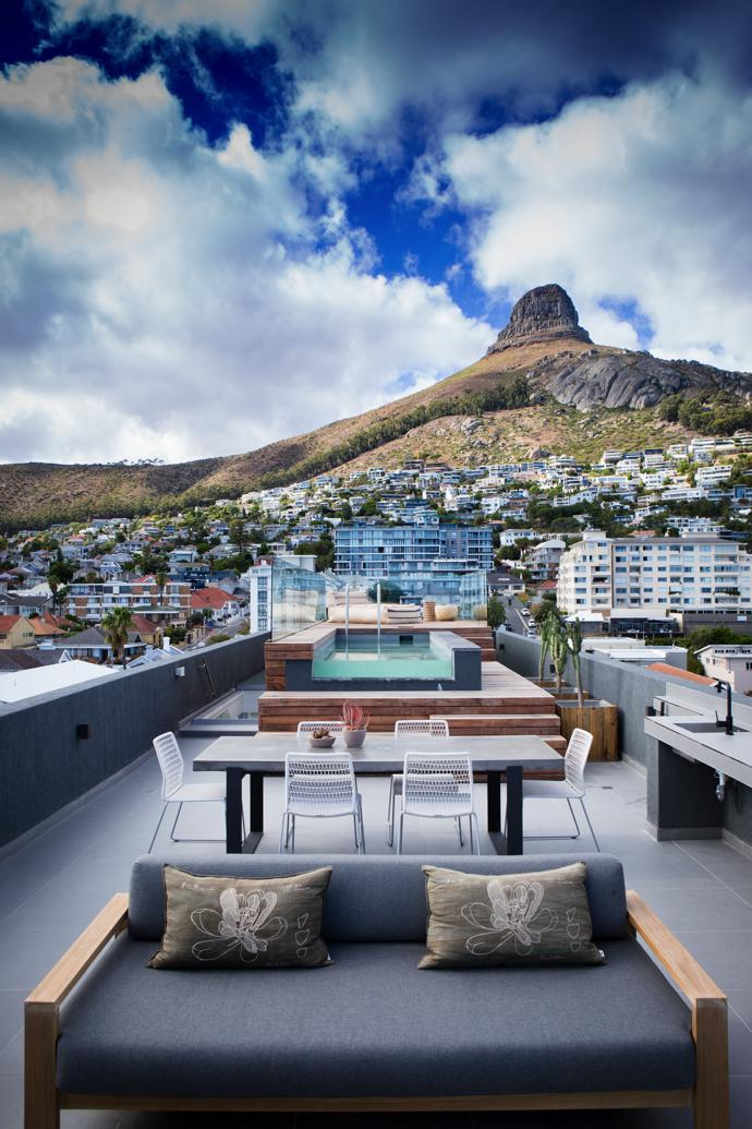 The views of the Atlantic and Lion's Head from the top level are spectacular.