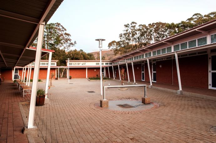 Clarens Primary School CRB Courtyard 1