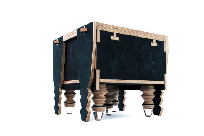 Tonga table.