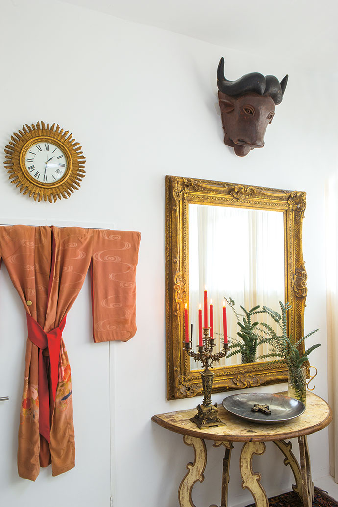 A vignette in the spare room: The vintage kimono was a gift from a dear friend in Scotland and the buffalo head came from Namibia. And the ornate mirror… Brian bought it in Johannesburg while Cecile was giving birth to their eldest son, Angus. Yes, at the exact same time.