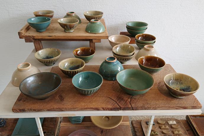 Ceramics made on site at Rakuto Gama, Hyogo Prefecture