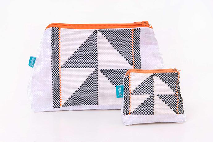 Langazela accessory purse Contempo