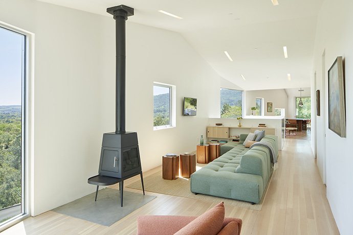 Mork-Ulnes Architects - Triple Barn - PH APR06 - photo by Bruce Damonte_LR 1600px